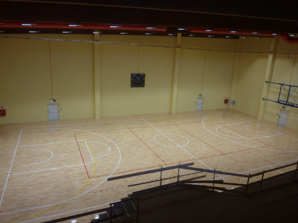 A good sports floor depends not only on its visible surface but above all by its substructure: that of parquet of Izano is equipped with special rubber dampers