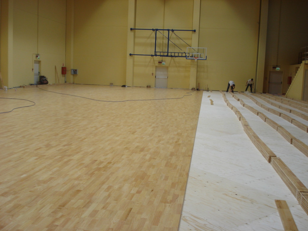 The model chosen for the sports parquet gym Izano is called Solid Jump System