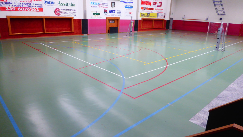 So it appeared the floor of the gym of Gordona (Sondrio) before surgery Dalla Riva Sportfloors