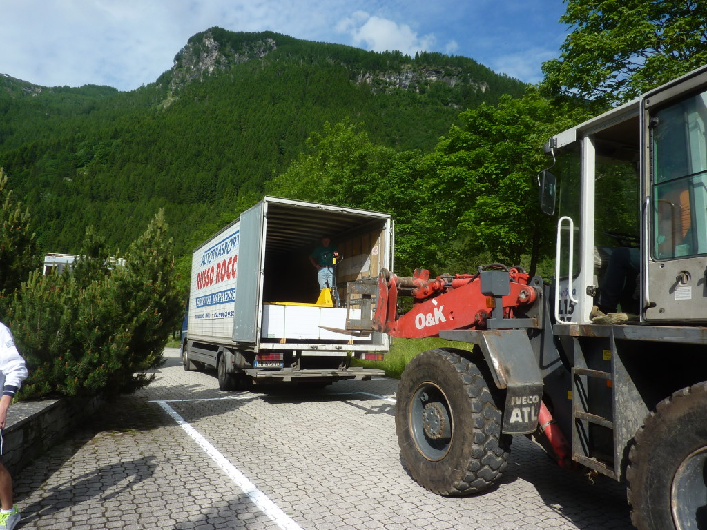 Unloading before the new installation in Campodolcino