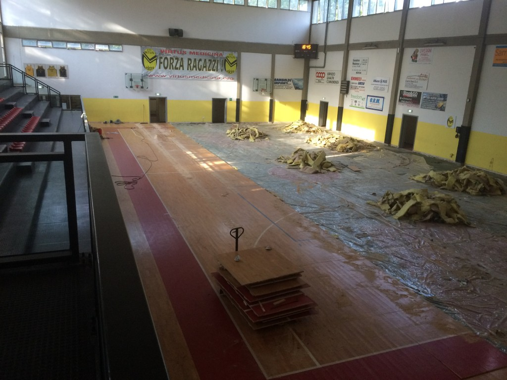 Total removal of the old sports flooring installation of Medicina