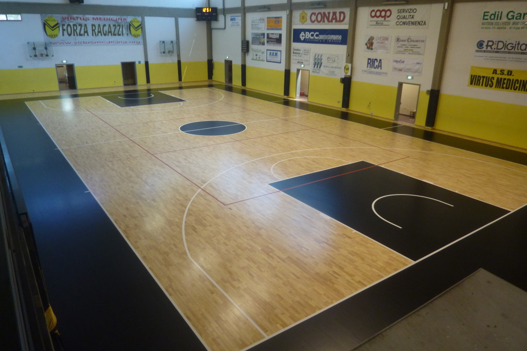 Sports parquet floor gym of Medicina ... is completely healed!