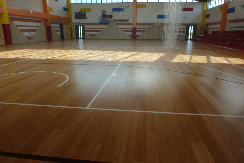 An image of the gym of the Salesians of Udine with the new sports floor DR newly laid