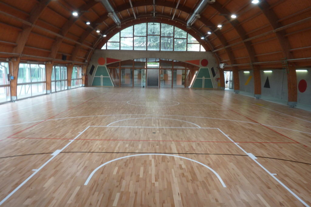 Gentlemen here is the Elastic Wood 22 the sports floor for all