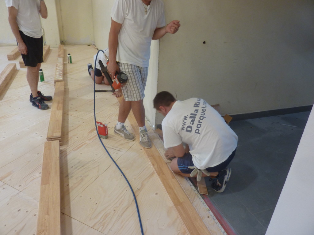 Technical Dalla Riva Sportfloors committed during laying