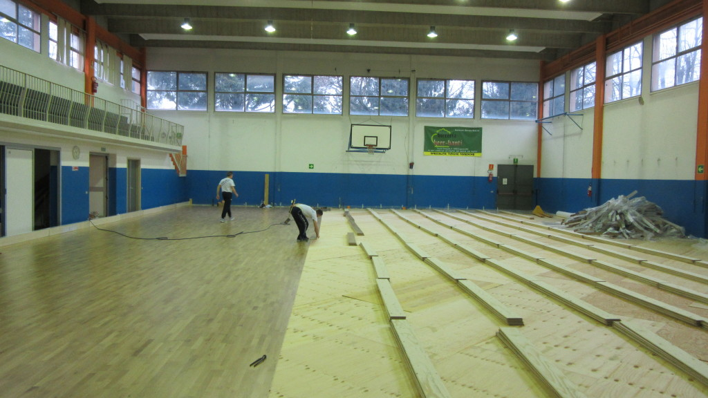The sports flooring system Dalla Riva Sportfloors superimposed on the resilient has also been adopted by the Cerro Maggiore gym