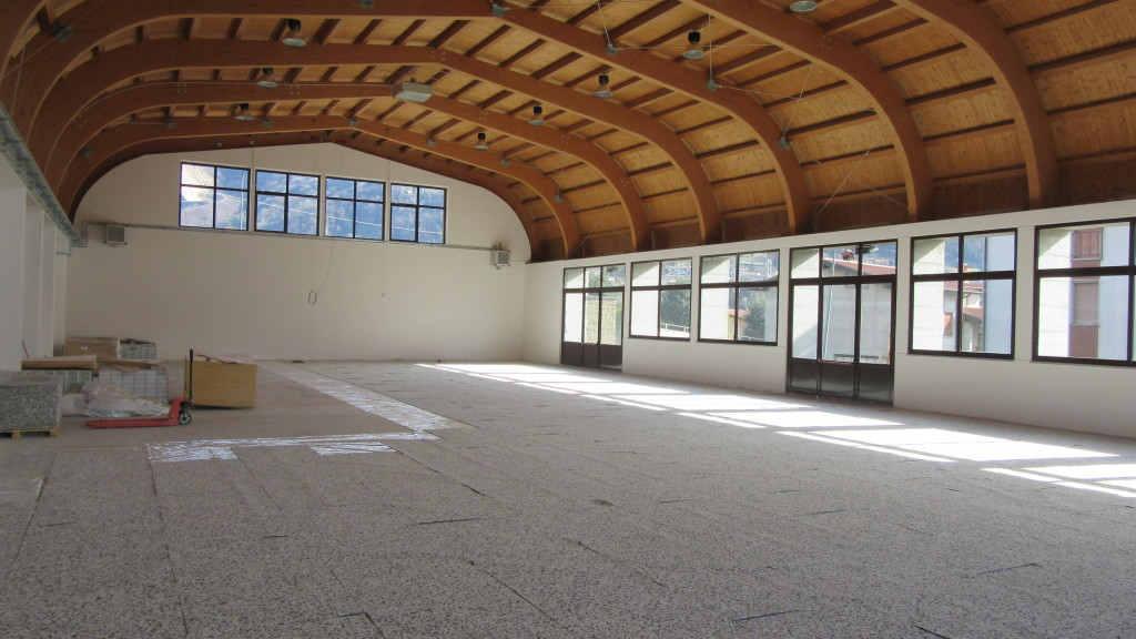In the biggest gym in Vigano San Martino, Dalla Riva Sportfloors installed the model Playwood 4