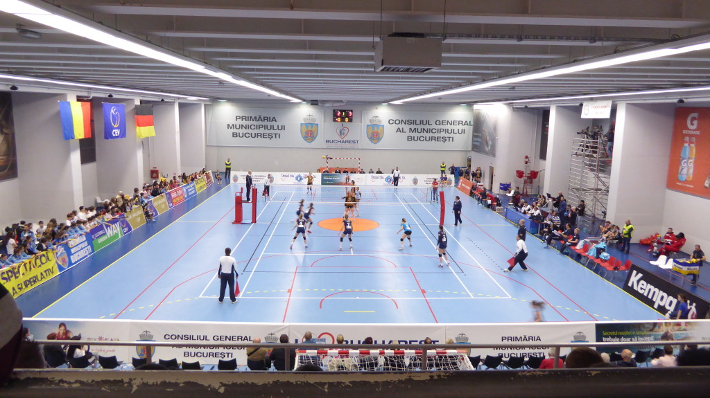 The sports facility in Bucharest during a meeting of volleyball played before installing the new removable Dalla Riva Sportfloors