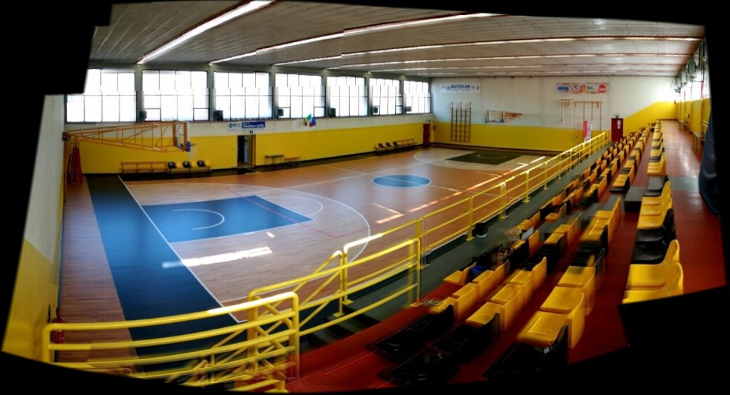 The old wooden floors for gyms, where required the presence of the public, must be retreated with special paints
