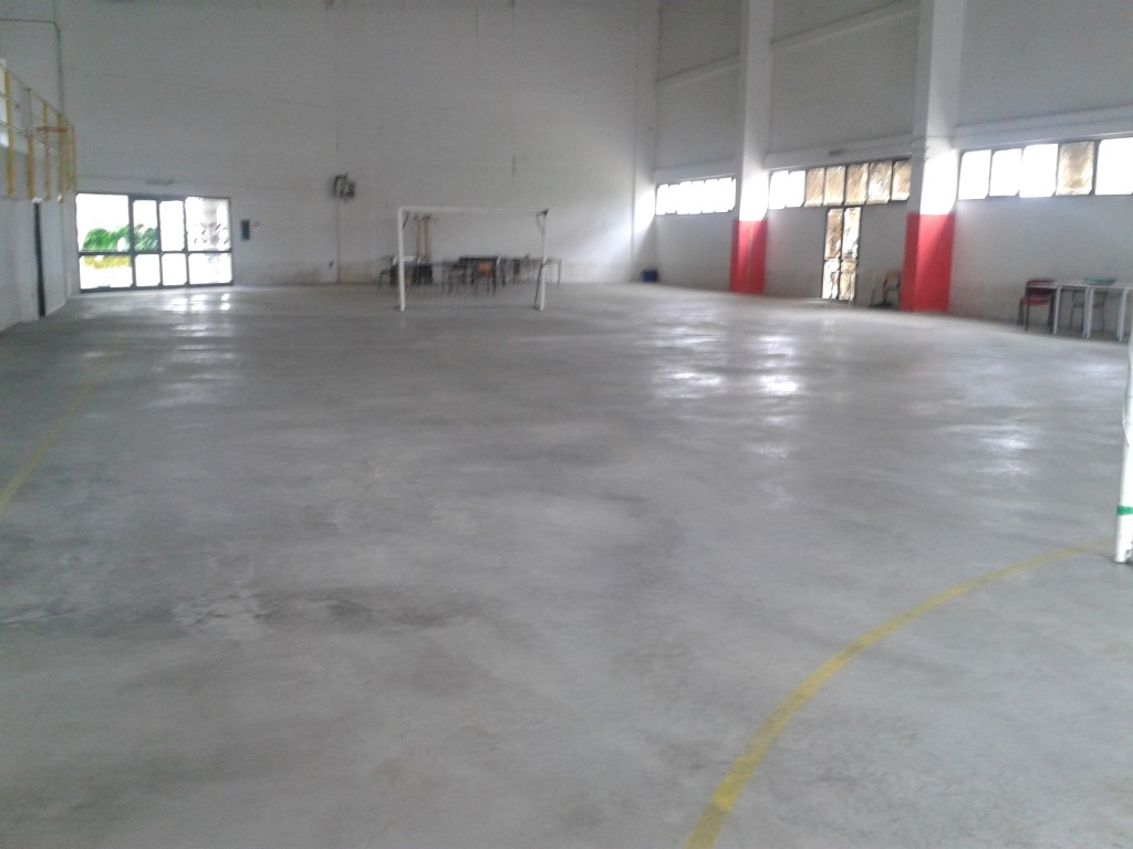 """The gym of Olbia """"to the rough"""", before laying of the sports parquet Dalla Riva Sportfloors"""