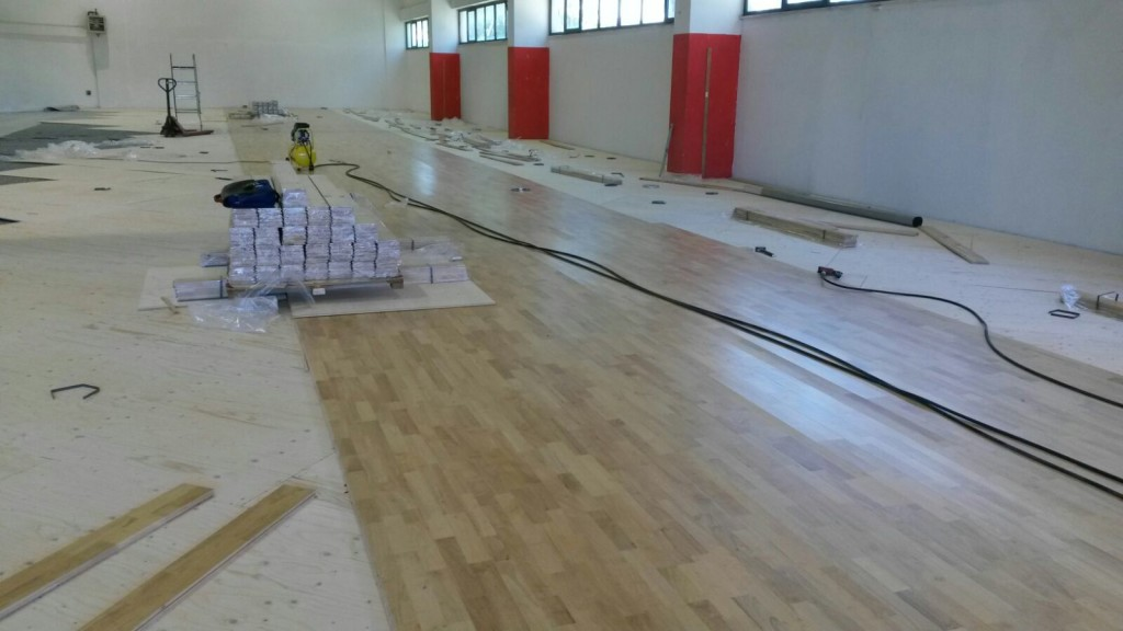 Laying operations of the new sports flooring Dalla Riva Sportfloors in Olbia
