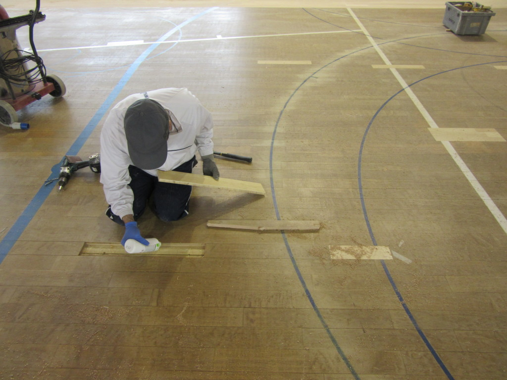 Gradisca renews the sports floor with sanding and skating paint