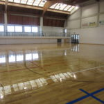 The skating paint treatment as that performed by the DR brand in Friuli does not affect the grip of the footwear during traditional activities such as basketball, volleyball or soccer 5