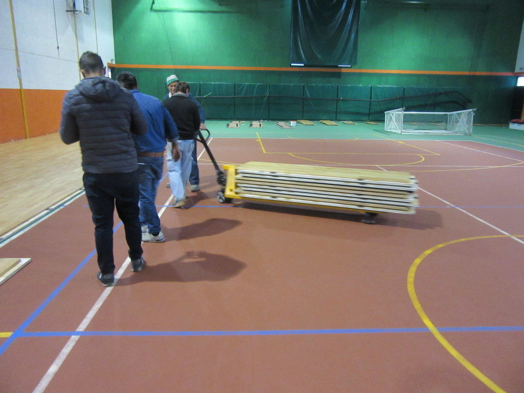 The removable parquet made in Italy is ready to be assembled