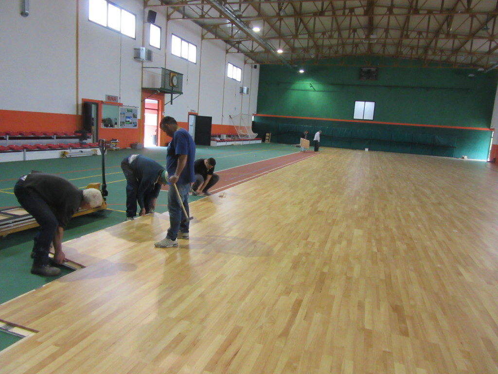 Sports hall Pratola Serra: the total surface was one thousand square meters of sporting parquet