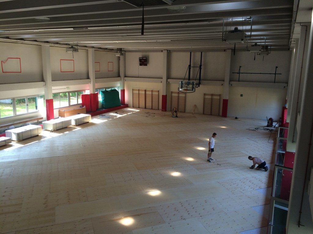 The parquet overlapping operation was performed by Dalla Riva Sportfloors in just four days