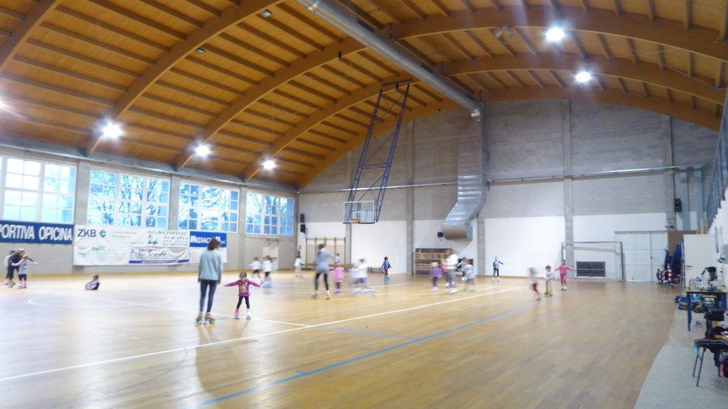 The gym of Trieste Opicina well as basketball and volleyball, mainly hosts activities of roller skating