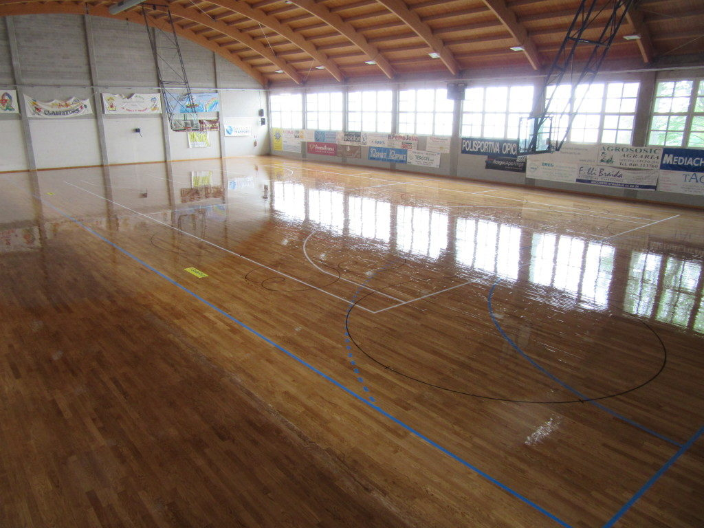 The skating treatment performed by Dalla Riva Sportfloors Opicina also acts as a protective for the sports flooring