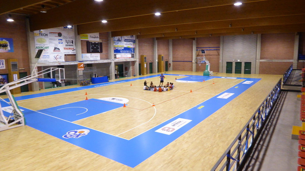 The entire installation of the new flooring Dalla Riva Sportfloors in Olginate was performed in just 5 days