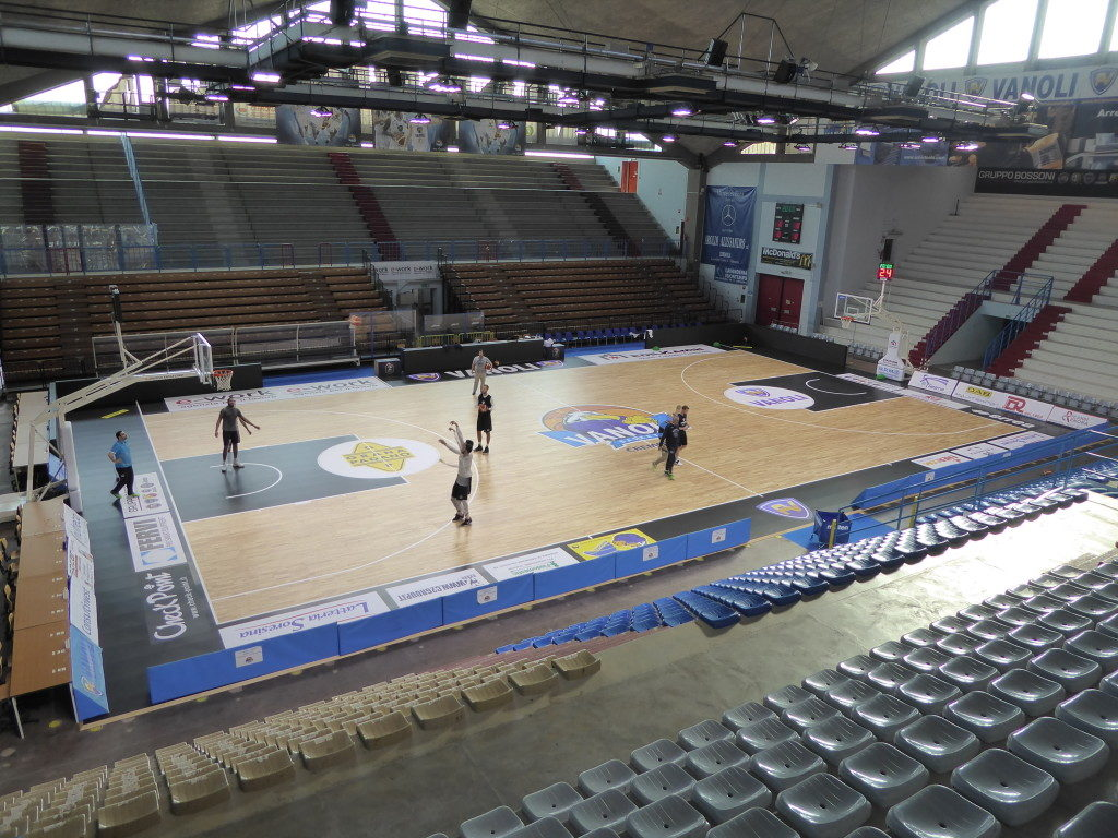 """Basketball players of Vanoli already working after just three days of """"hardship"""" for assembly and customization of new parquet signed DR"""