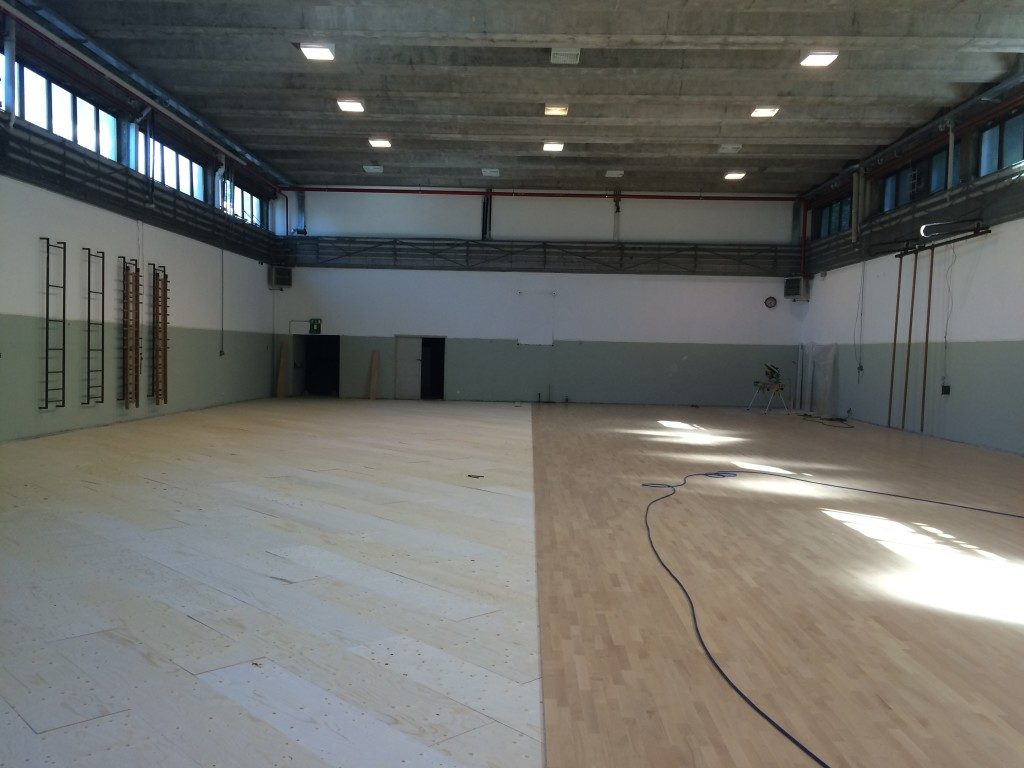 Installation phases of the new sports parquet Dalla Riva Sportfloors at Institute Parini Lecco