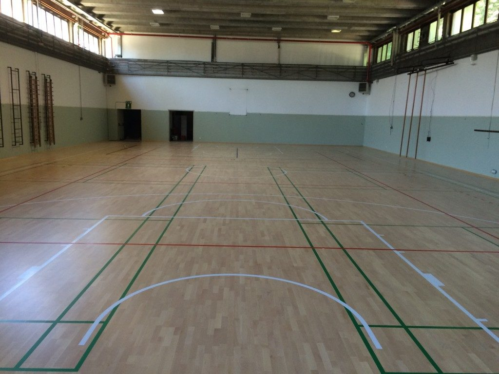 Now the Institute of Lecco has two gyms side by side with the same parquet Dalla Riva Sportfloors