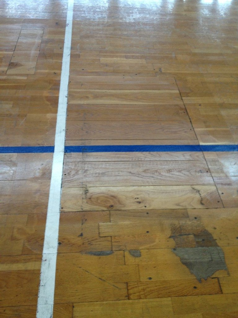 The parquet floors of PalaOreto like PalaMangano accused the signs of aging
