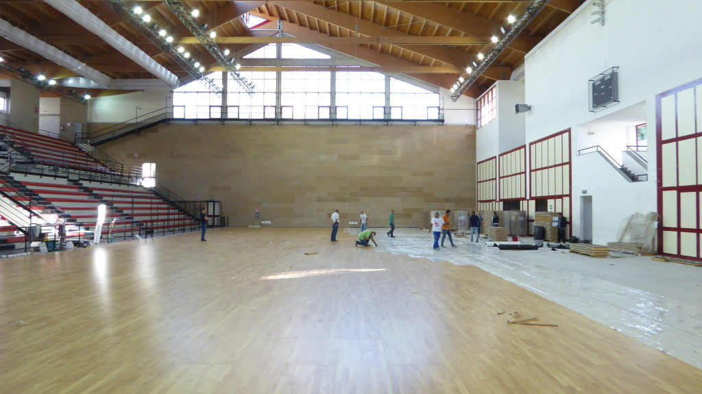 A removable wooden floors 1150 square meters for each of the Palermo facilities equipped by the DR brand