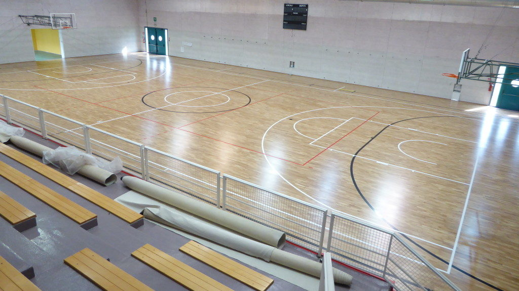 The gym floor of Cinto was already resilient, Dalla Riva has turned in parquet thanks to the overlap