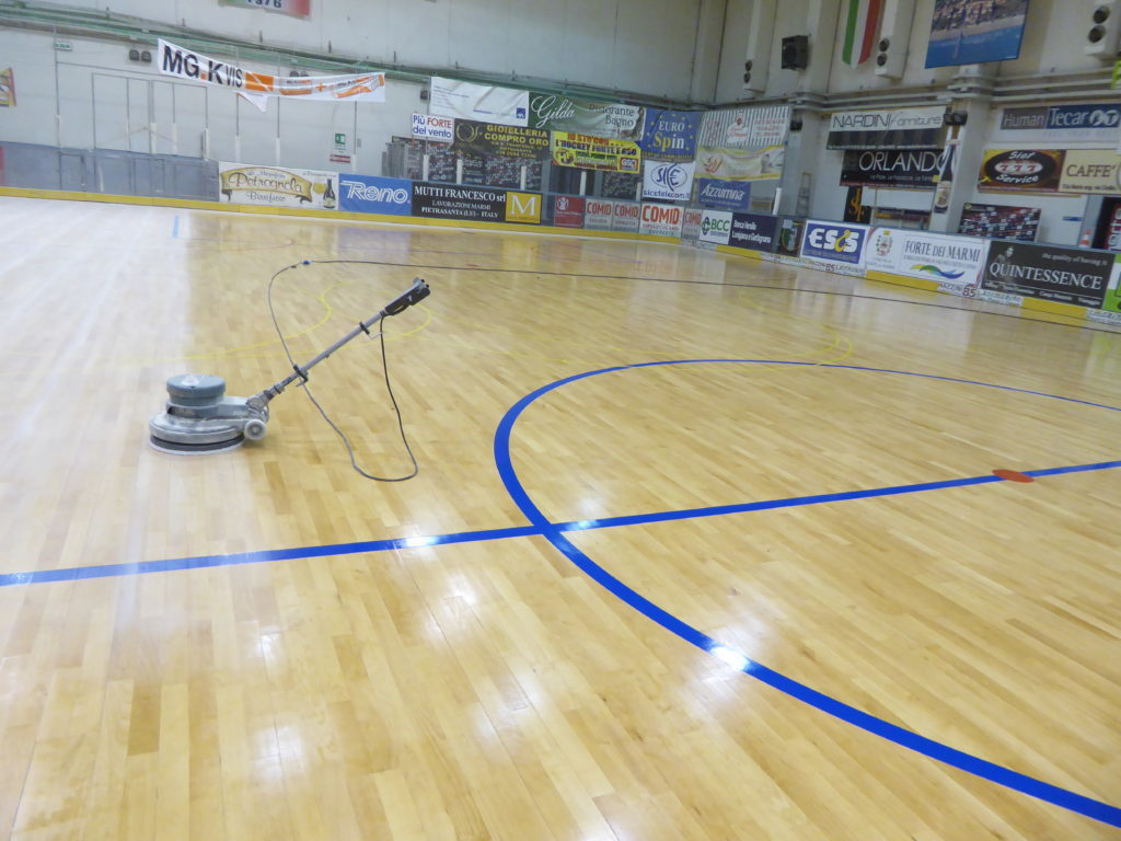The sports floor of Forte dei Marmi has assumed a different look ...