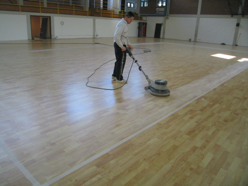 The attention to detail and finishes are the basis of maintenance carried out by Dalla Riva Sportfloors