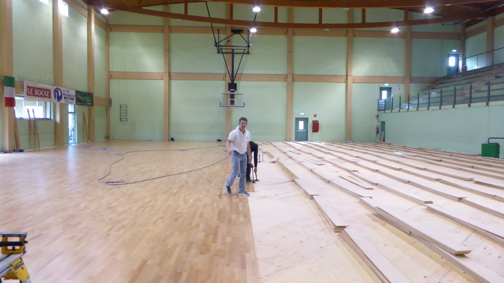 Installation phases of the new sports parquet pattern Playwood 4 Dalla Riva Sportfloors