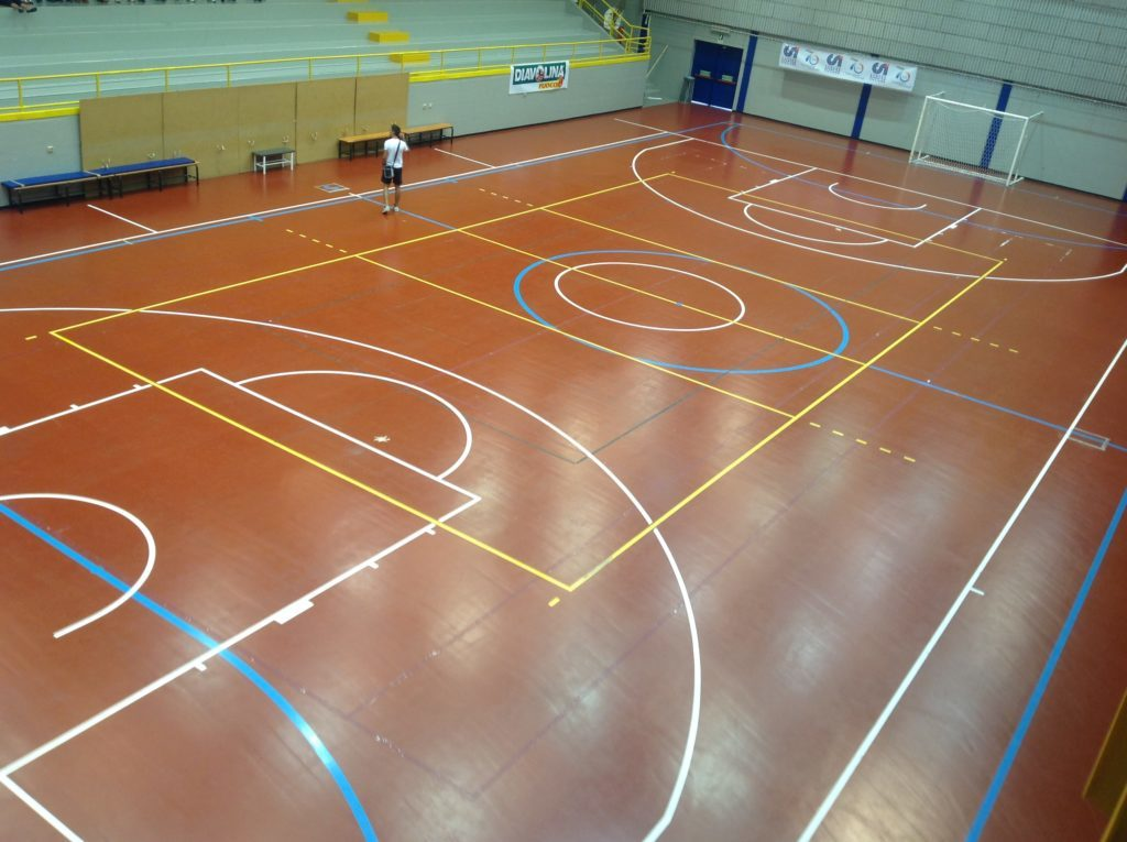 The municipal administration of Lignano decided to invest on the futsal starting with a new sports parquet