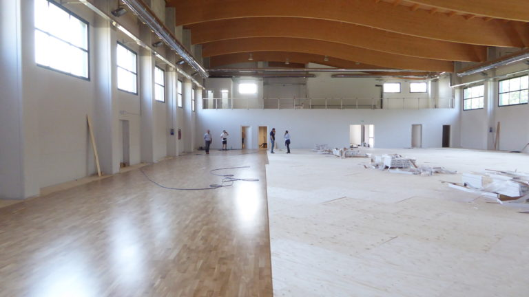 Sports flooring in oak wood for the new sports parquet of Paruzzaro palasport