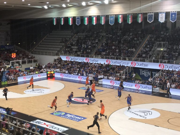 "A lot of applause at PalaTrento both for the new parquet Dalla Riva Sportfloors and for the ""Azzurri"" of coach Ettore Messina"