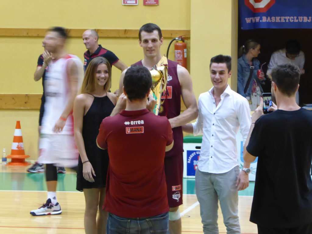 Tournament City of Jesolo 2016: Marco Dalla Riva, first on the right, has just handed the trophy to Benjamin Ortner
