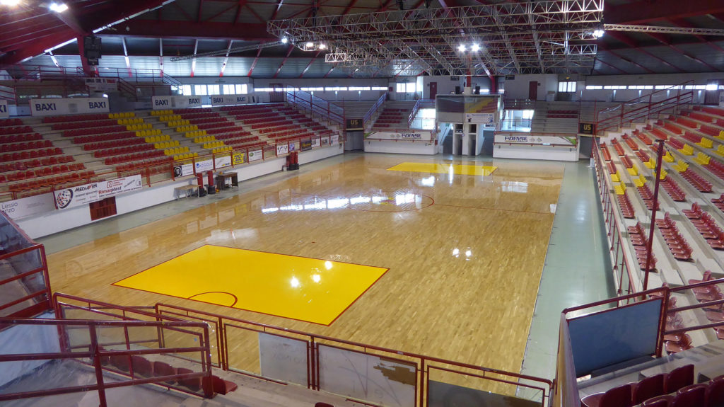 The Sports Hall of Bassano del Grappa is one of the few sports facilities with signage only for hockey