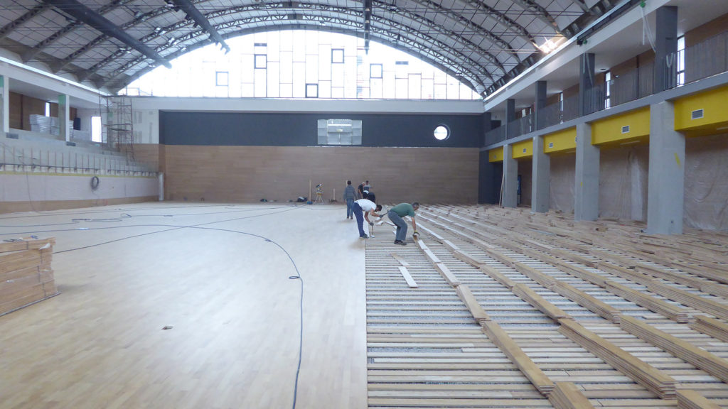 Fourth day laying, half installing the parquet