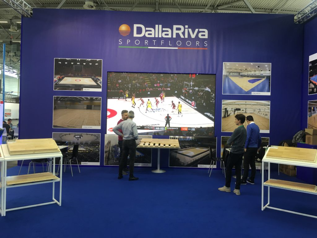 The new video wall plays a Euroleague game played on Assago's portable parquet DR