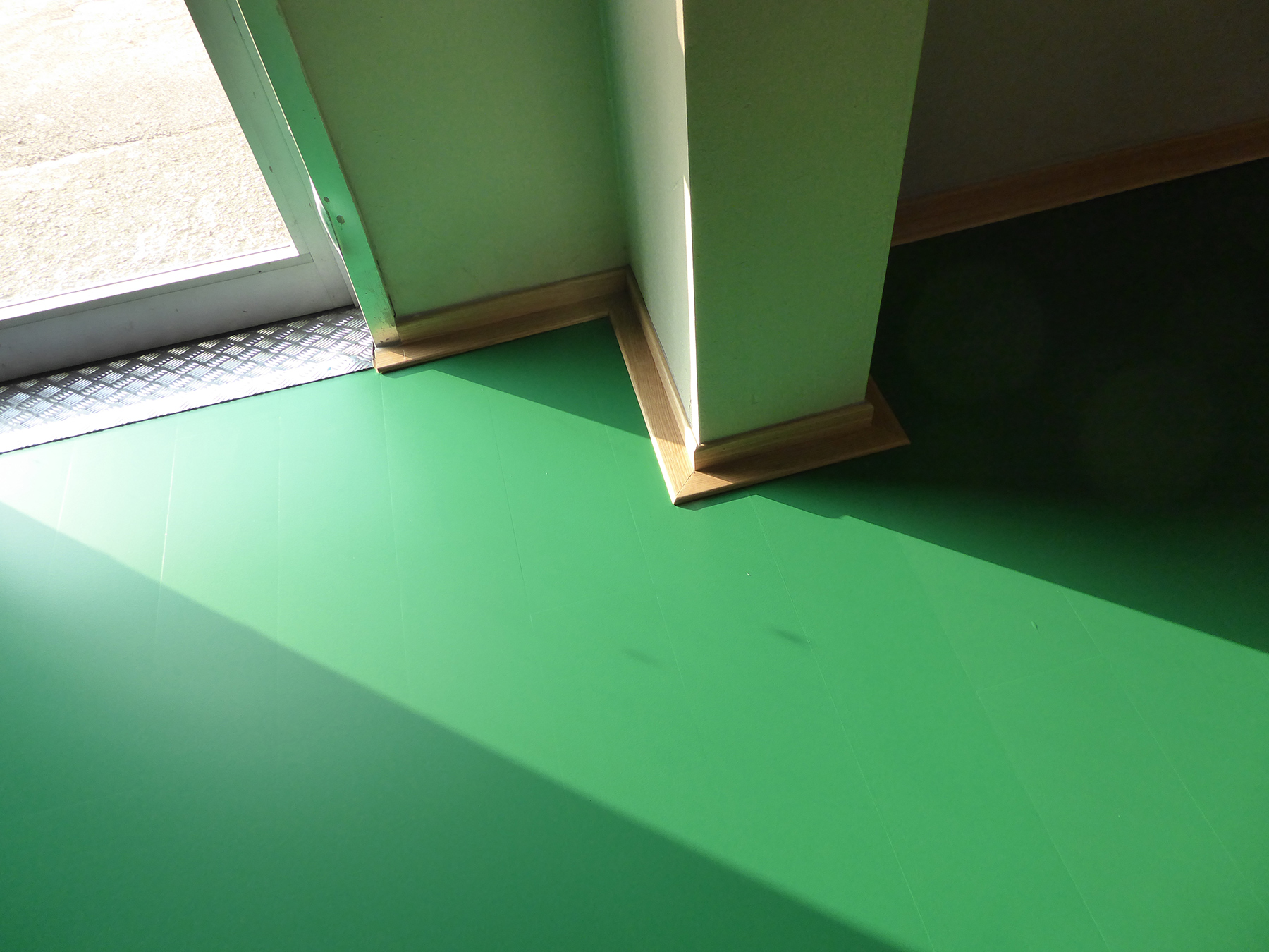 Skirting care, a detail that is not negligible