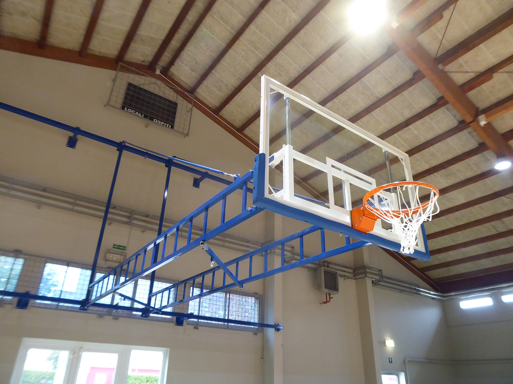 FIBA homologated baskets were supplied in collaboration with the Artisport company http://www.artisport.it/