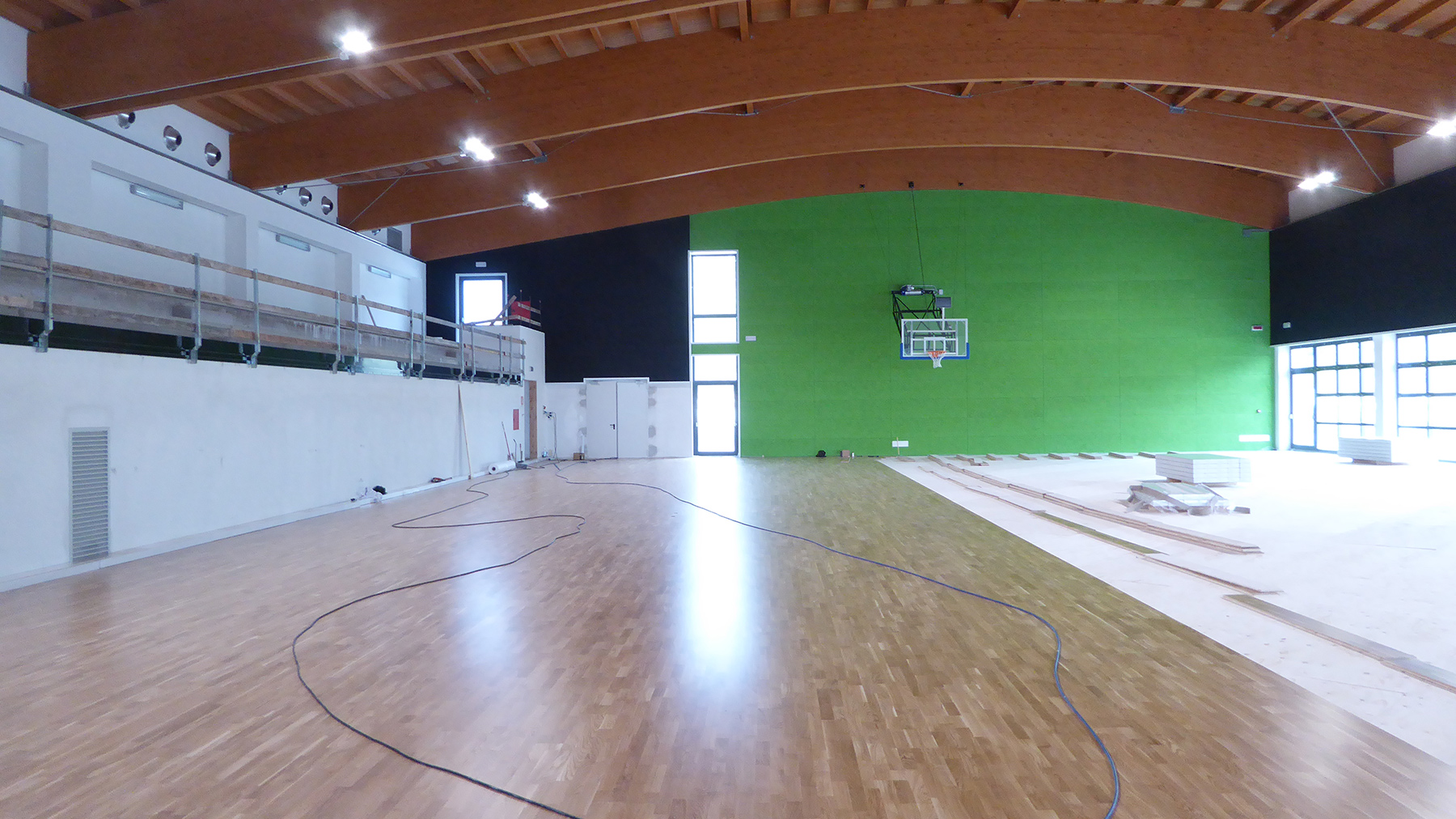 The laying of the sports parquet