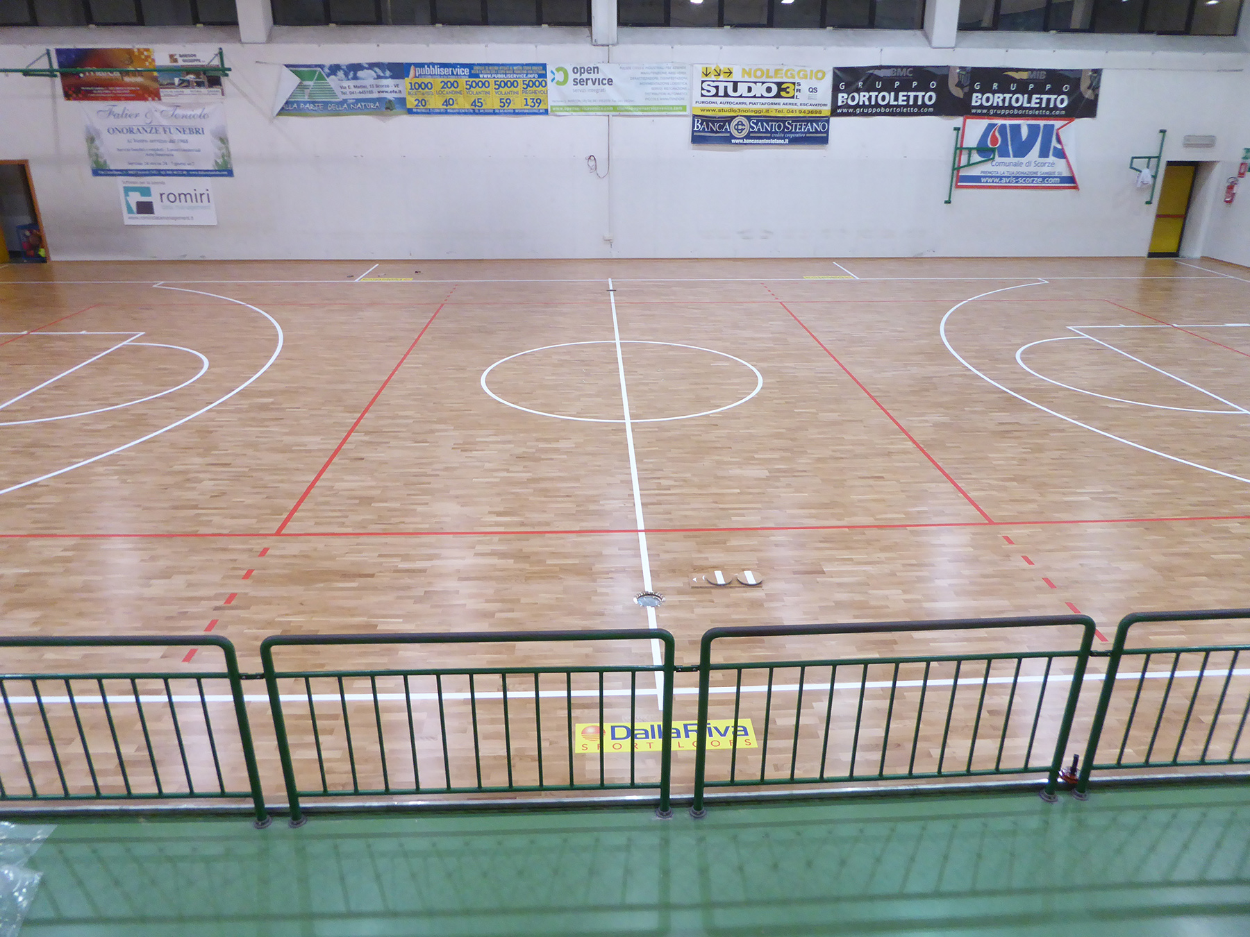 The sports flooring finished