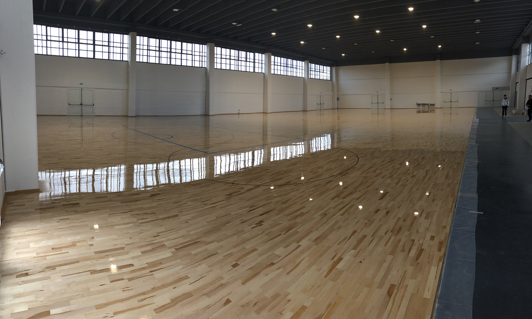 1250 square meters used for hockey