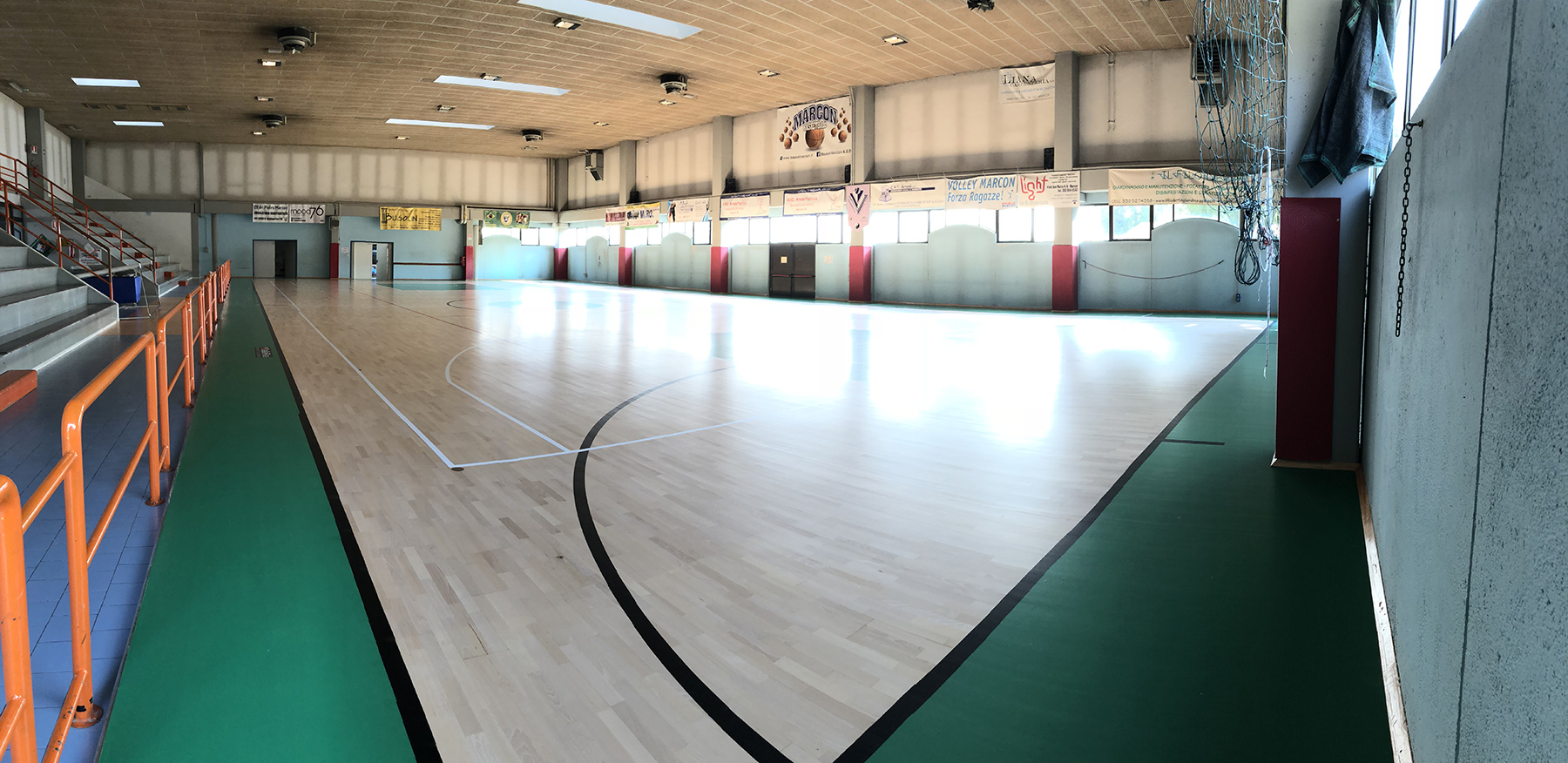 The new sports parquet for the Futsal Marcon C5