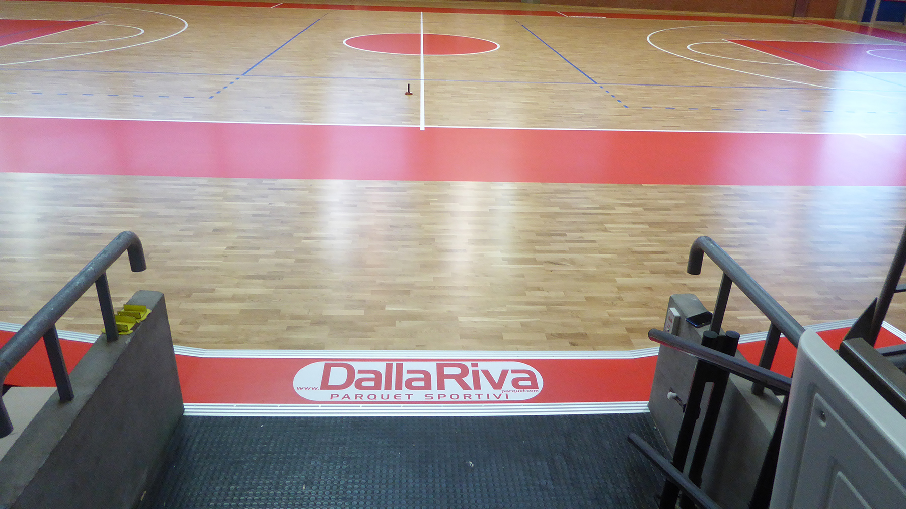 The DR emblem in perfect harmony with the flooring