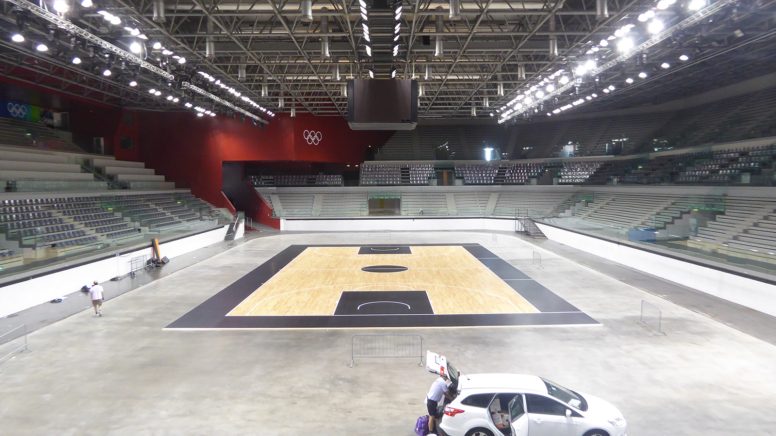 Another parquet designed by Dalla Riva for Serie A and Eurocup