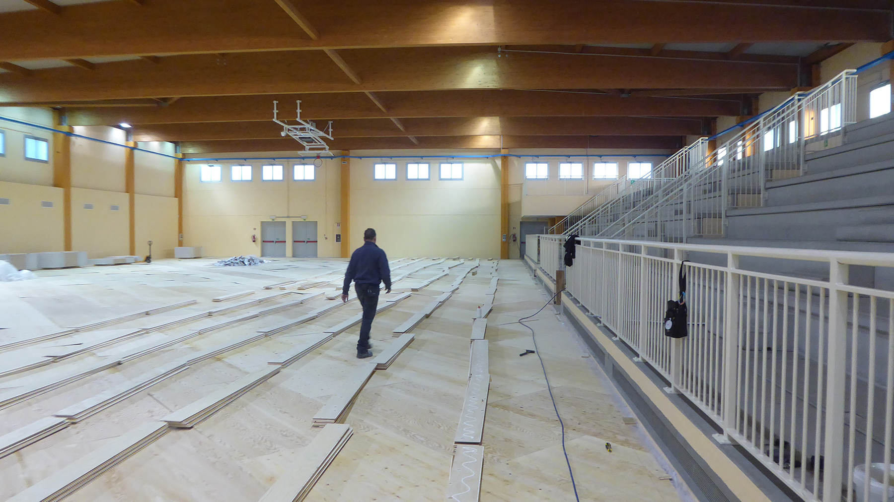 The beginning of the laying of the parquet