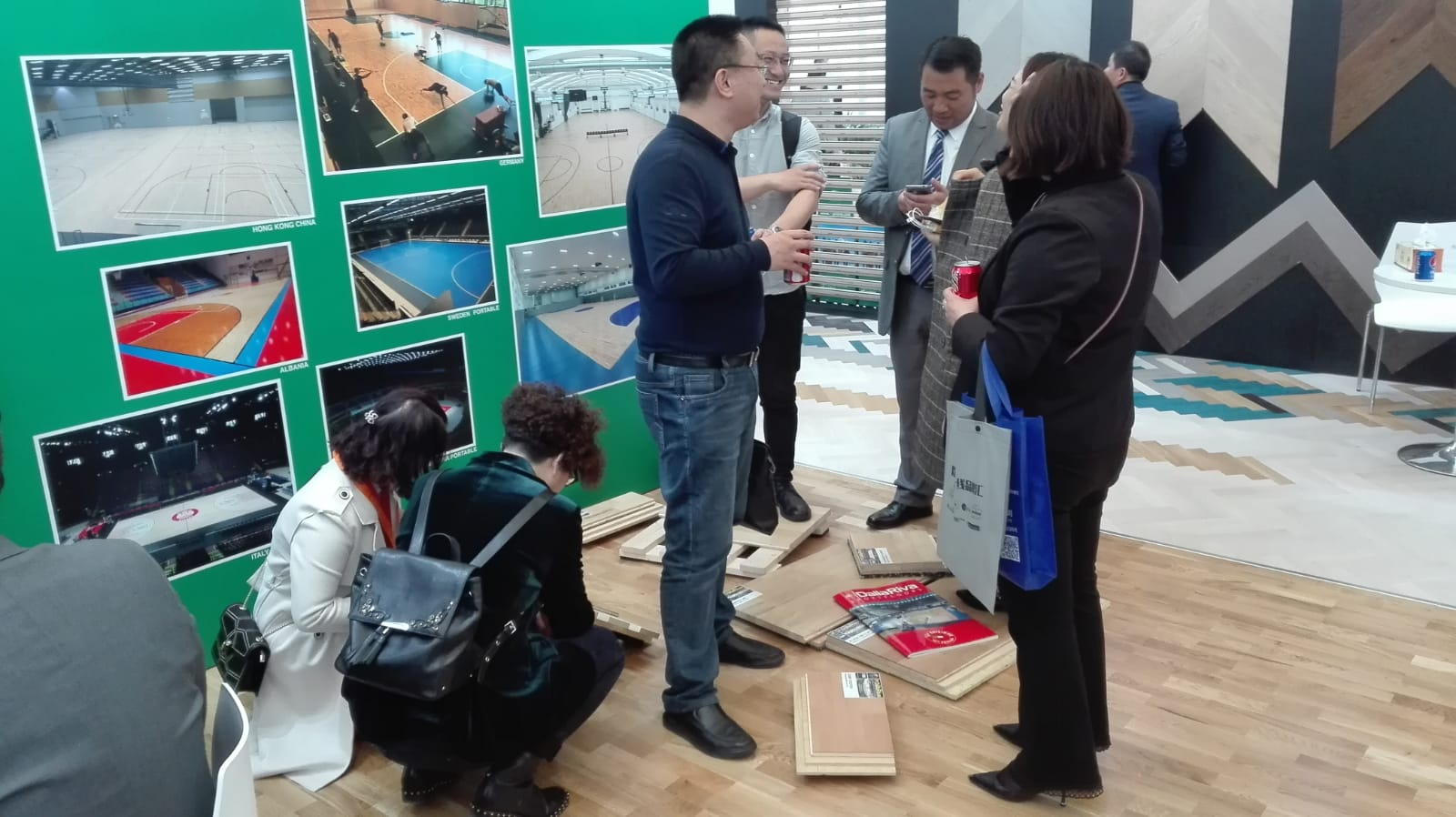 Numerous Asian customers present at the Dalla Riva stand