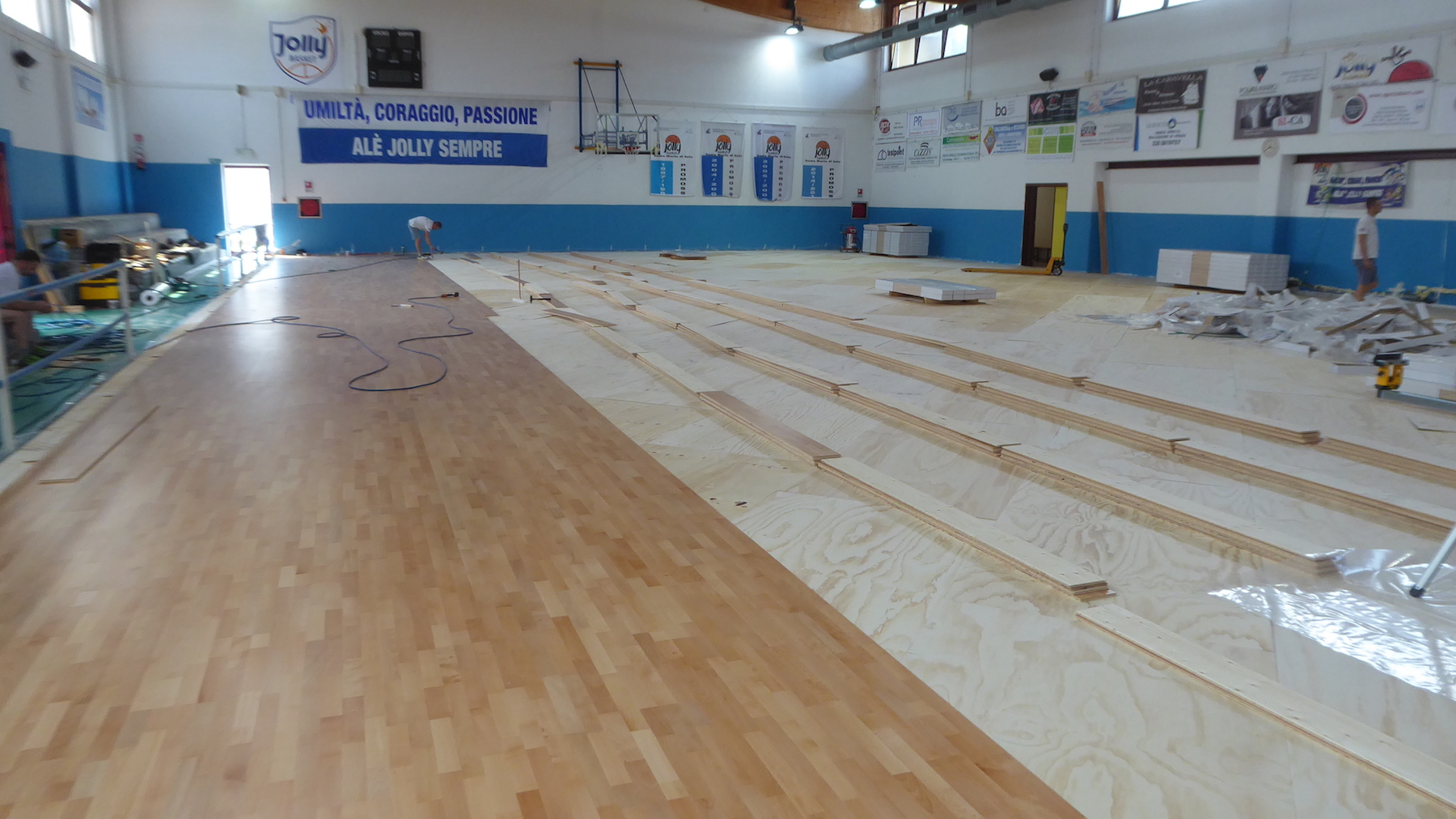 Our technicians during the laying of the parquet